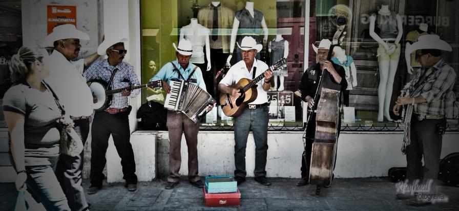 Musicos en calle Libertad CHihuahua